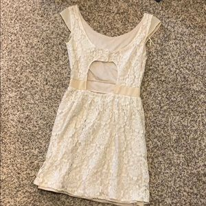 American Eagle Outfitters Dresses - Pretty cream colored lace dress